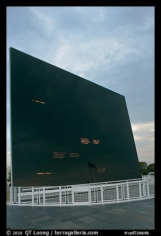 Space Mirror (Astraunot) Memorial, John Kennedy Space Center. Cape Canaveral, Florida, USA (color)