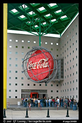 Line at World of Coca-Cola (R) entrance. Atlanta, Georgia, USA (color)