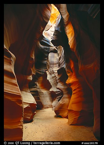Upper Antelope Canyon. USA (color)