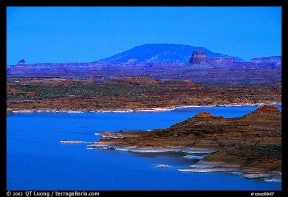 Lake Powell and Antelope Island at dusk, Glen Canyon National Recreation Area, Arizona. USA