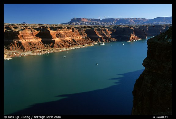 Lake Powell near Hute, Glen Canyon National Recreation Area, Utah. USA