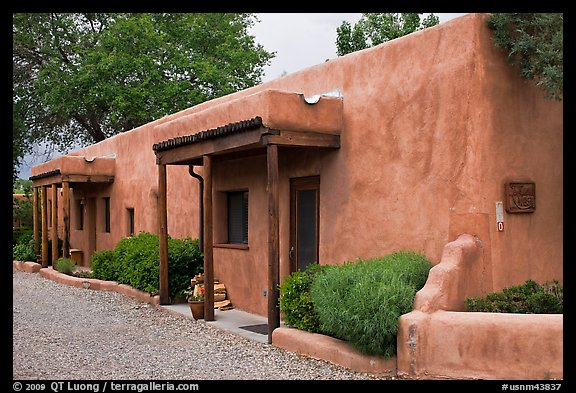 Las Casitas. Taos, New Mexico, USA (color)