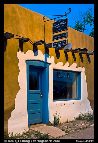 Door, window, and sign indicating oldest house. Santa Fe, New Mexico, USA (color)