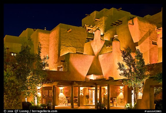Loreto Inn by night. Santa Fe, New Mexico, USA (color)
