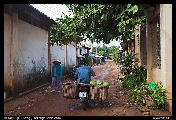 Side alley, Duong Dong. Phu Quoc Island, Vietnam (color)