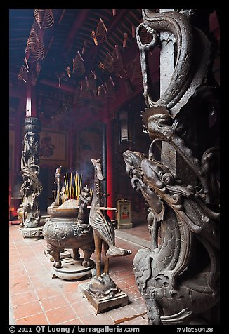 Pillars wrapped in dragons, Ha Chuong Hoi Quan Pagoda. Cholon, District 5, Ho Chi Minh City, Vietnam (color)