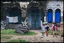 Children in front of home. Mui Ne, Vietnam ( color)