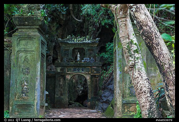 Gate at the entrance of Huyen Khong cave. Da Nang, Vietnam (color)