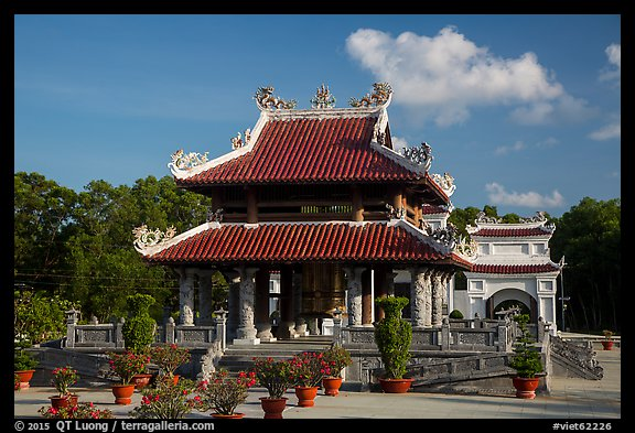 Shrine, Hang Duong Cemetery. Con Dao Islands, Vietnam (color)