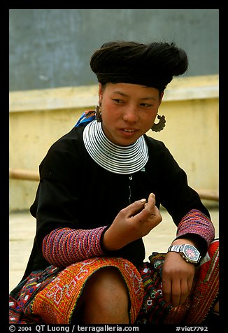 Hmong woman, near Yen Chau. Northwest Vietnam (color)