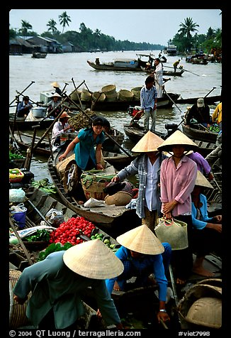 Phung Hiep floating market. Can Tho, Vietnam (color)