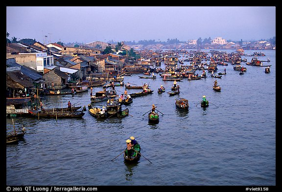 Cai Rang Floating market, early morning. Can Tho, Vietnam (color)